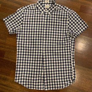 J Crew: Men's Size Small, button down dress shirt